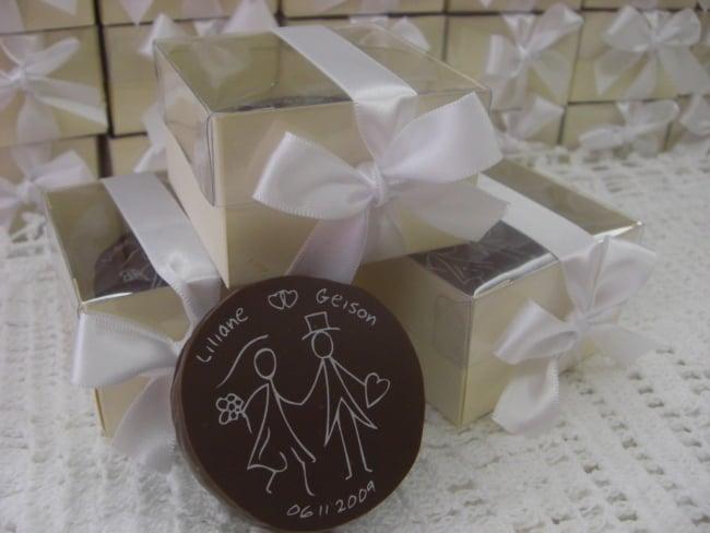 pao de mel em caixinha para lembrancinha de casamento