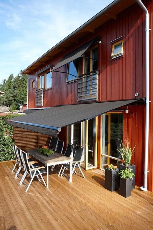 casa de campo com toldo retratil na varanda