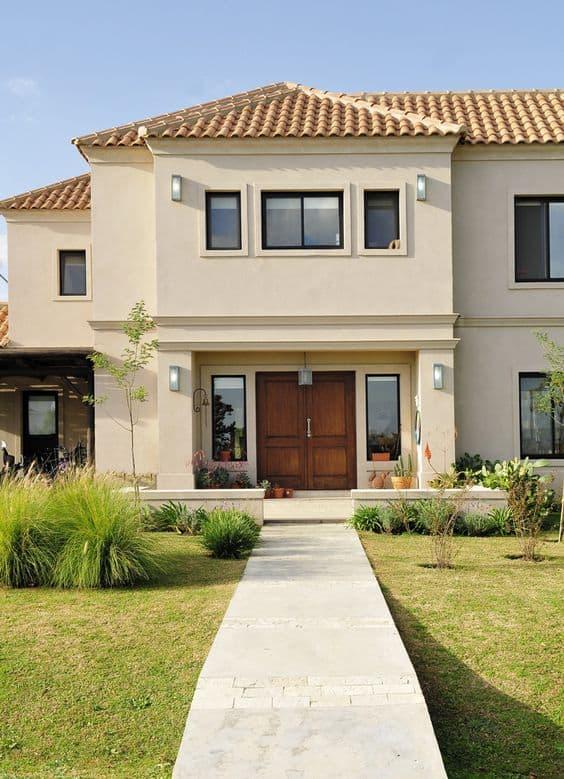 fachada de casa com cor palha