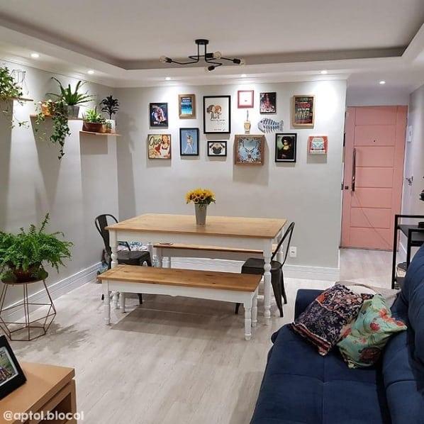sala de jantar com parede cromio Suvinil