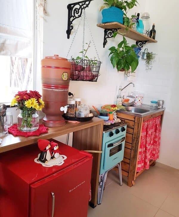 cozinha rustica com azulejos pintados de branco