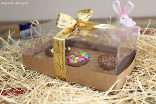 kit de mini ovos de colher em embalagem de caixa