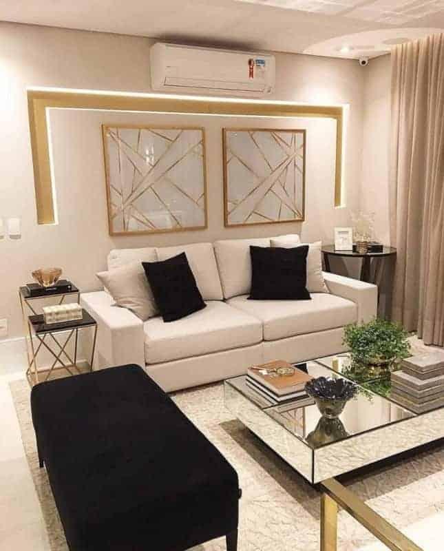 sala moderna com parede cor areia