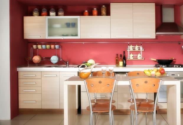 cozinha simples com parede cor goiaba