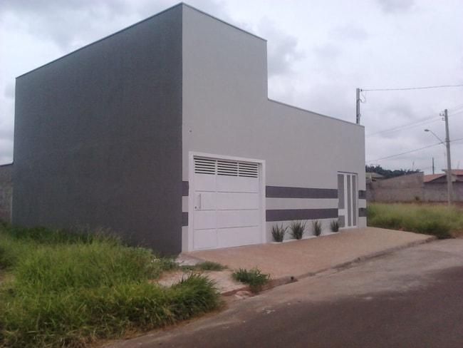 fachada de casa com cor cromio