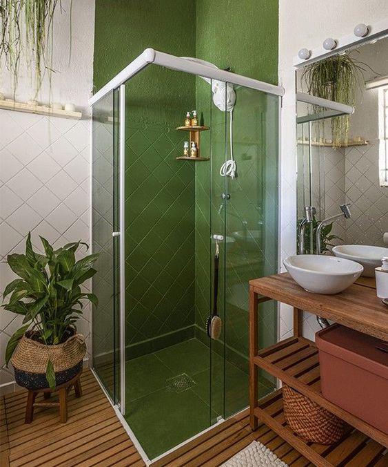 banheiro com tinta de azulejo verde