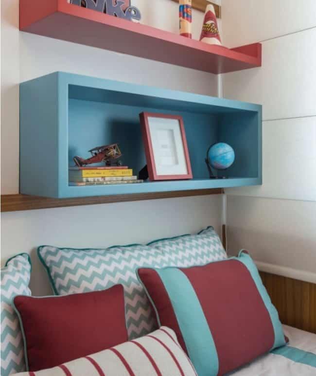 quarto com decoracao em marsala e azul