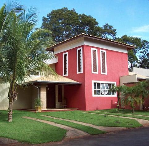 casa com pintura cor goiaba