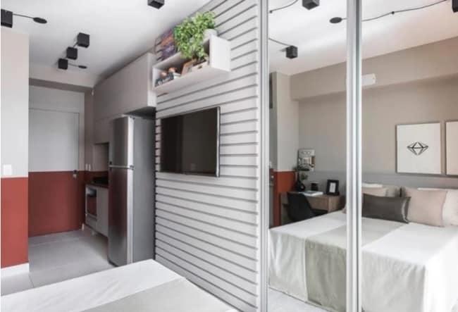 cozinha com meia parede marsala