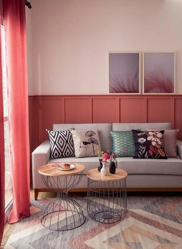 5 sala pequena com cortina cor goaiba