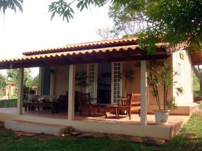 Casa simples com varanda ideal para fazenda chacara e sitios