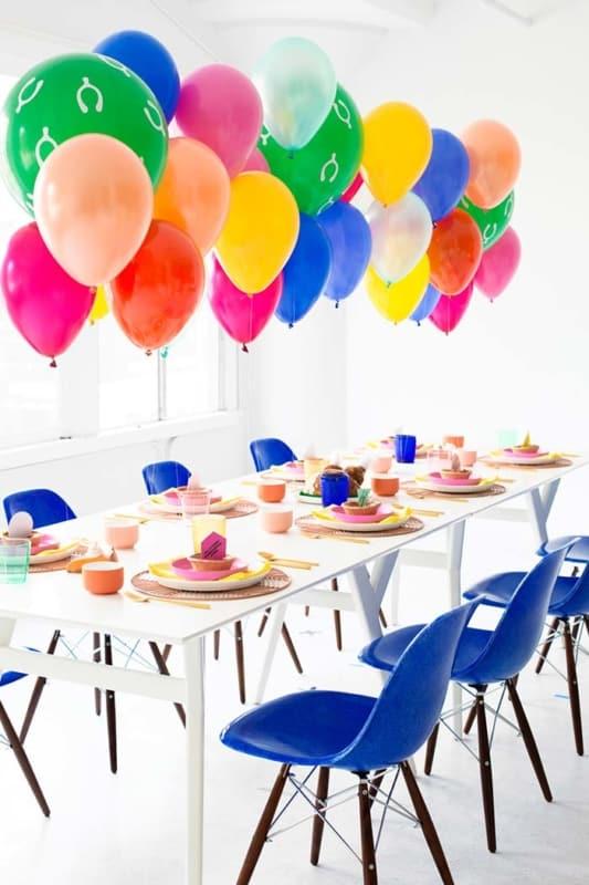 mesa com baloes 108