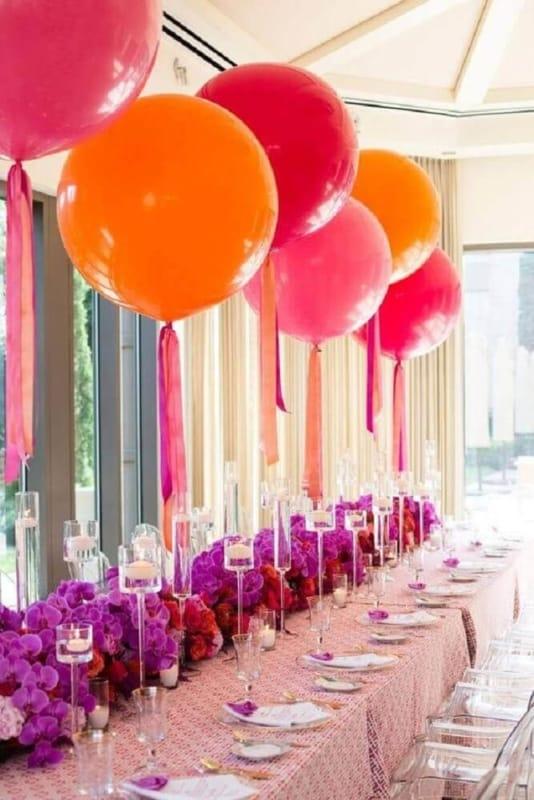 mesa decorada com baloes 107