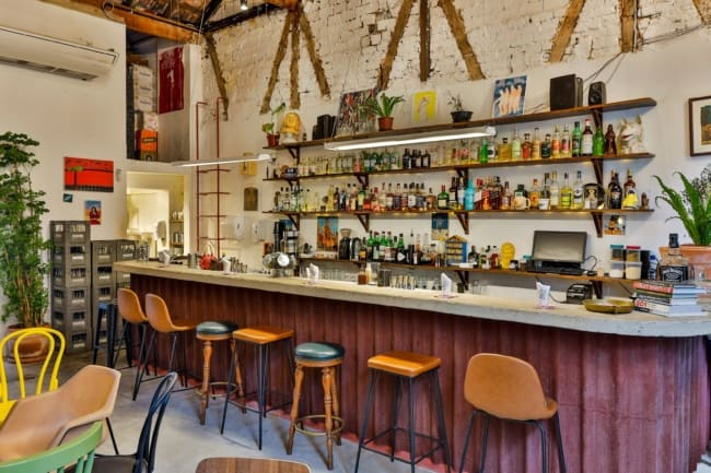 bar simples com decoracao vintage