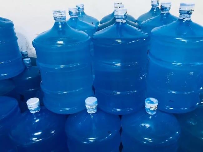 como comprar agua mineral para revender