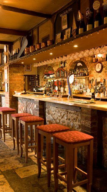 bar rustico com parede de pedras