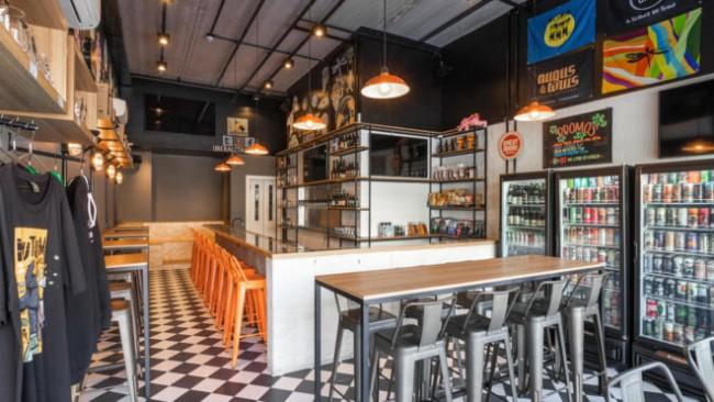 bar pequeno com decoracao industrial