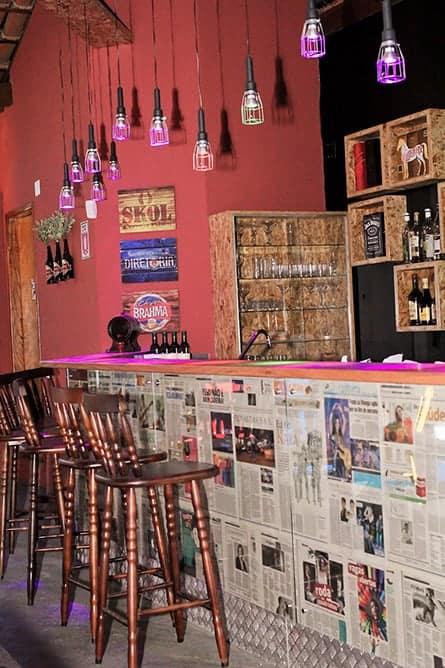 bar pequeno com decoracao simples e barata