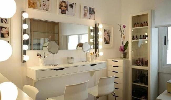 salao de beleza em casa com moveis brancos